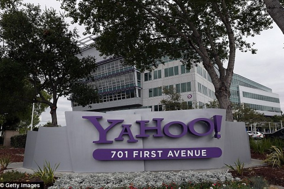 Verizon придоби Yahoo