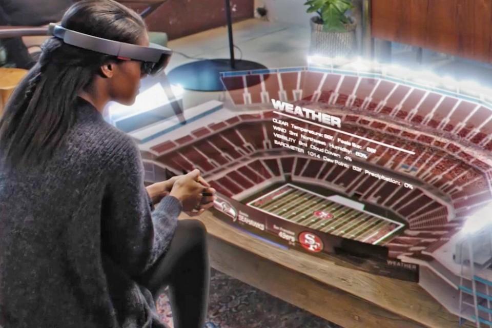 Microsoft показа как могат да изглеждат спортните предавания с използване на очилата HoloLens
