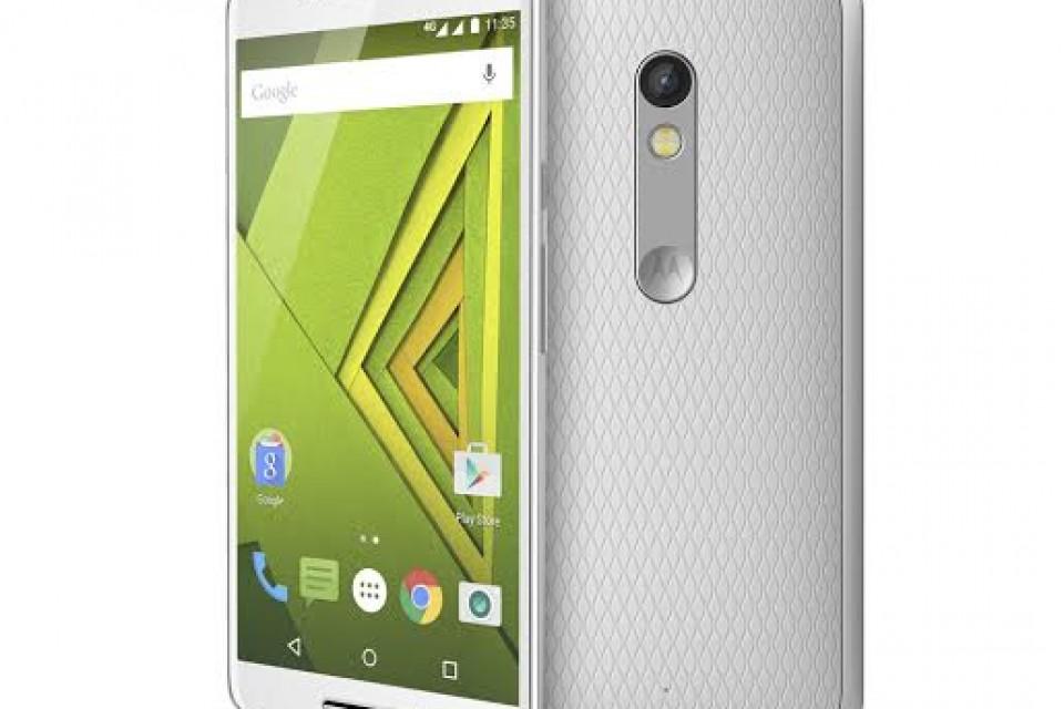 Lenovo връща Motorola на българския пазар