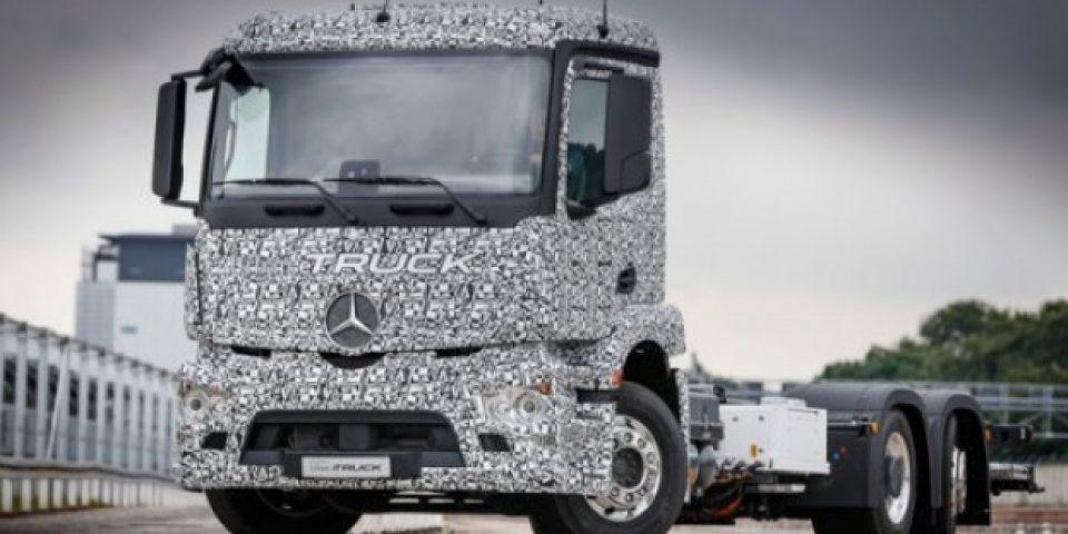 Mercedes представи първия в света електрически тежкотоварен камион
