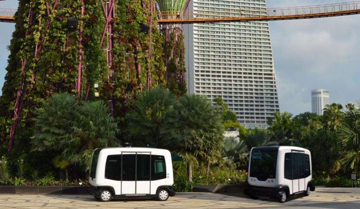 EasyMile smart bus autonomous bus
