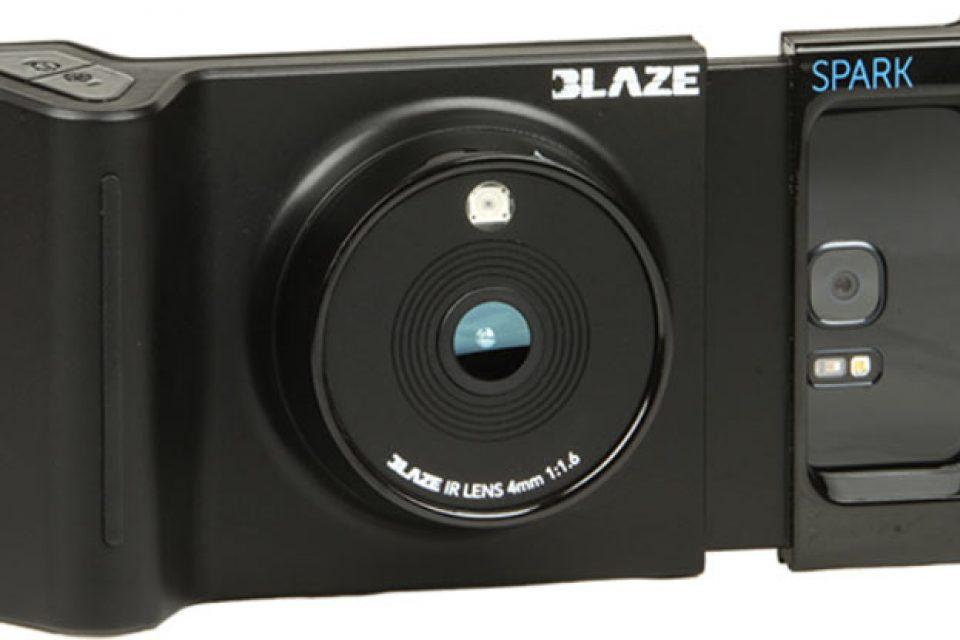 Устройството eMagin BlazeSpark превръща смартфона в прибор за нощно виждане