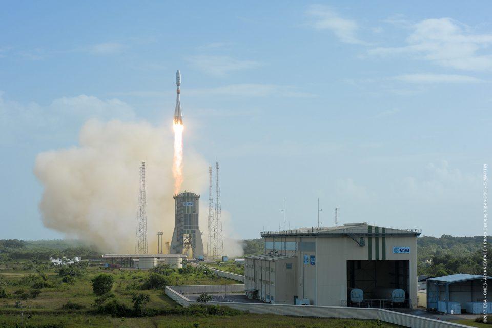Сателитът SES-15 ще осигурява телевизия на живо в самолетите