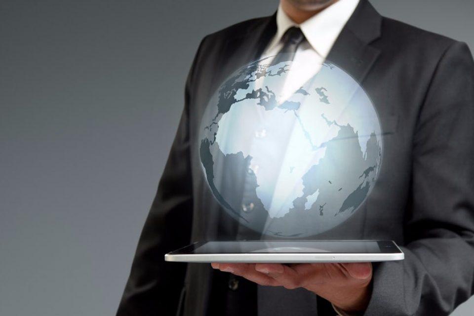 Учени създадоха най-тънката холограма в света