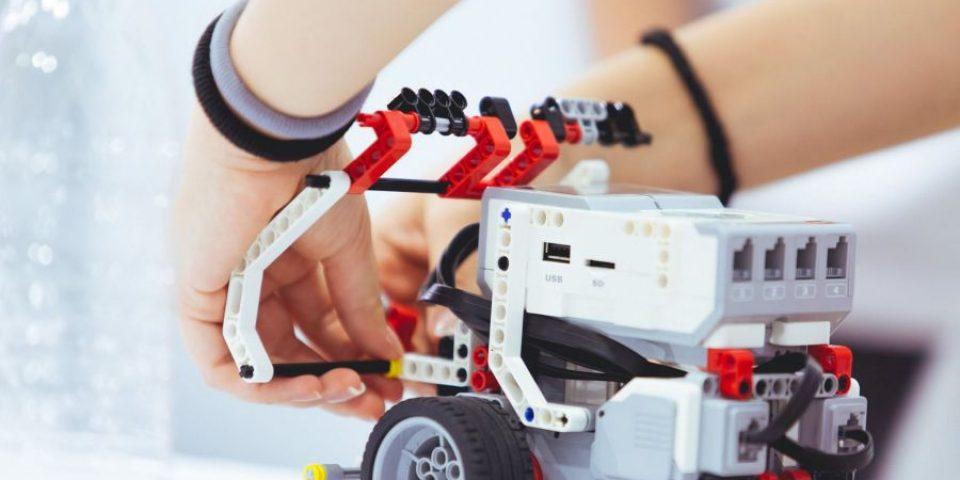 """Третото издание на """"Роботика за България"""" стартира с конкурс"""