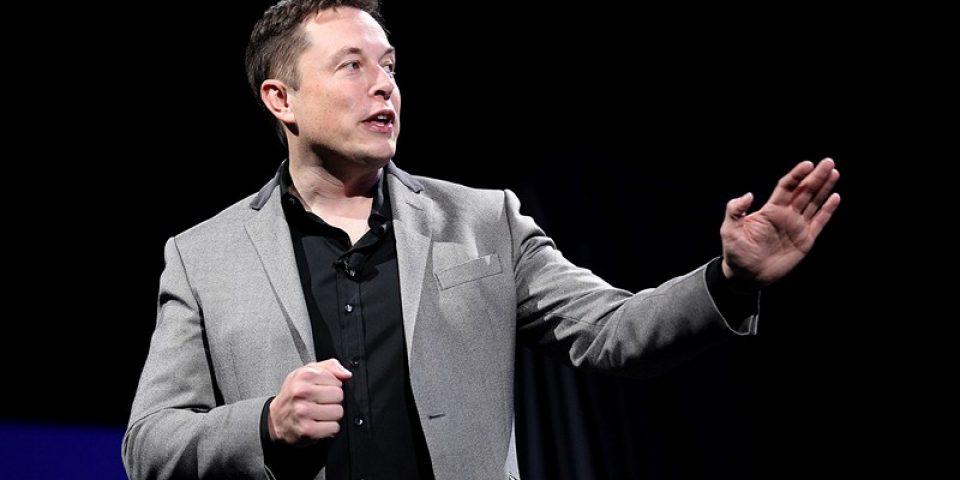 Илън Мъск: SpaceX тества прототип на кораба Starship