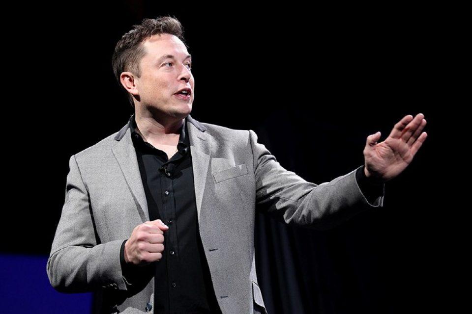 Мъск искал да впечатли гаджето си с фамозния пост за акциите на Tesla