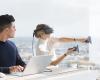 Майкрософт започна разпространението на Windows 10 Fall Creators Update и представи първите си VR очила Windows Mixed Reality headsets и устройството Surface Book 2