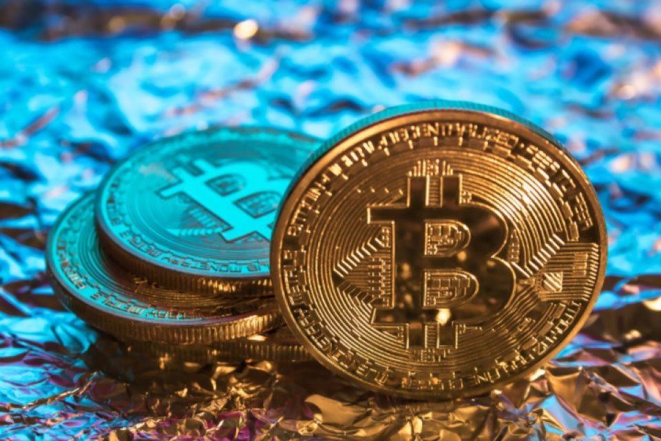 Bitcoin надхвърли $9000, засилва очакванията за още по-голям възход