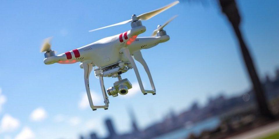 В САЩ връщат задължителната регистрация на дронове