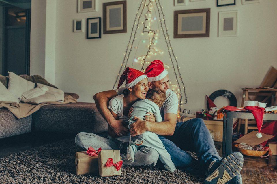 Българските домакинства ще похарчат до 24% от доходите си за подаръци тази коледа
