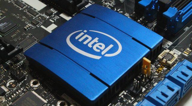 Новите 3D процесори на Intel ще комбинират десктоп и Atom ядра - Новини за компютри, смартфони, технологии и наука