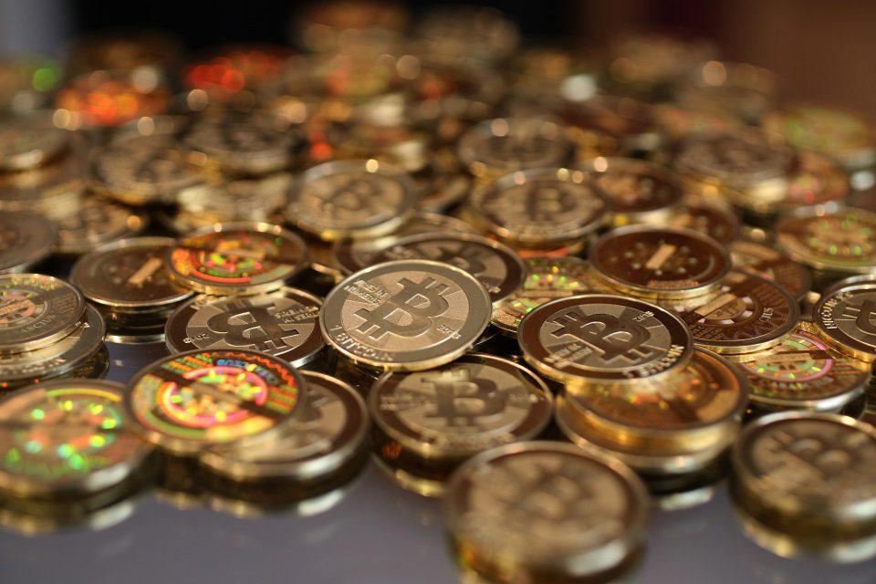 Физици: Квантовите компютри ще видят сметката на Bitcoin