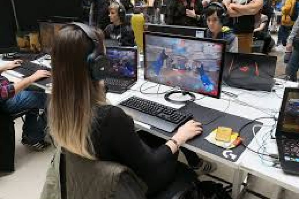 ASUS ще представи най-новите си геймърски лаптопи на AnimeS Expo 2018