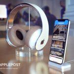 Apple-Headphoneds