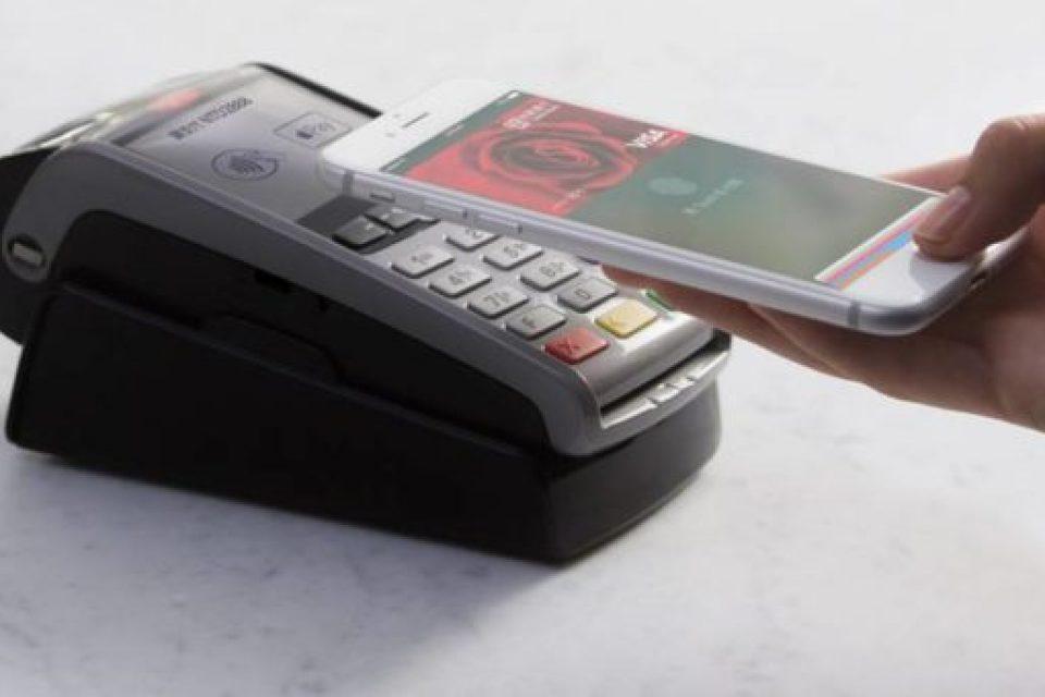 Apple Pay стартира в Полша
