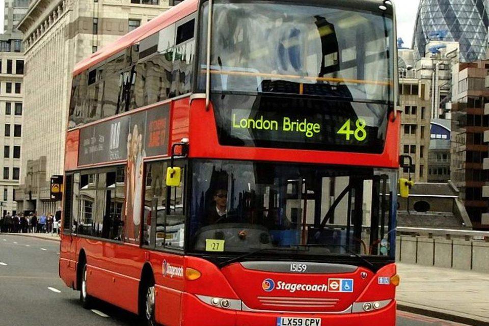 Лондон пуска електрически двуетажни автобуси