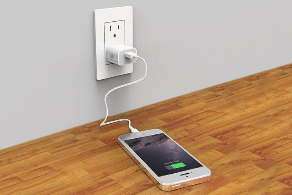 ЕП отново ще настоява за еднакви зарядни устройства