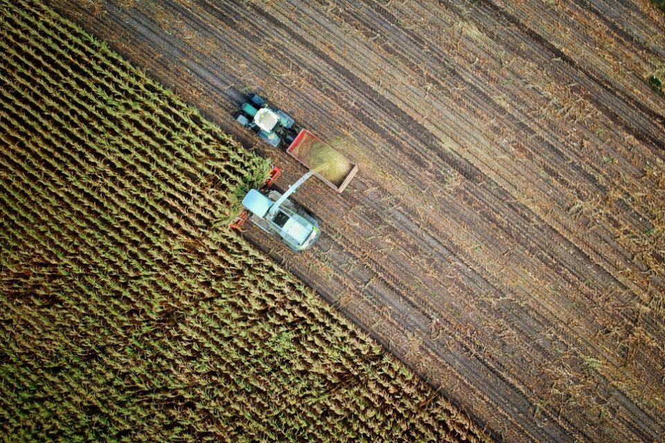 Работи се по първата стратегия за цифровизация на селското стопанство у нас