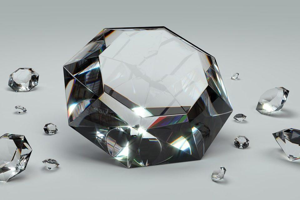 Според учените има квадрилион тона диаманти под земната повърхност