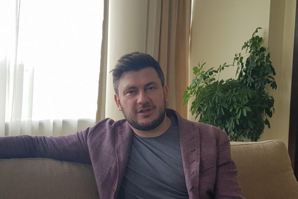 """Дмитрий Глуховски: """"Метро"""" не е предупреждение, а просто опит да накарам хората да мислят"""
