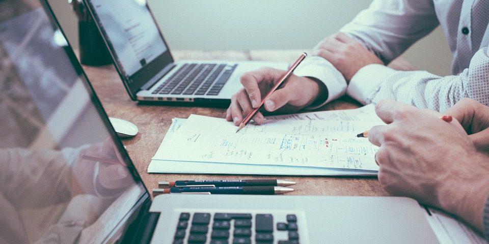 Оптималният модел на работа е хибрид между работа от вкъщи и от офиса, сочи проучване на Adecco Group