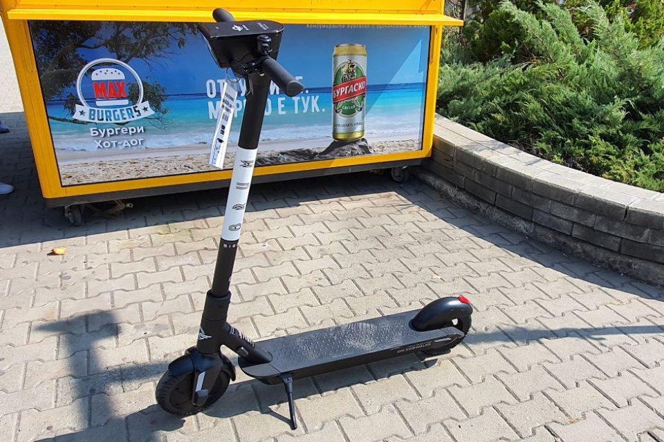 Новите правила за тротинетките: Ще се движат по велоалеи и пътища до 50 км. / ч.