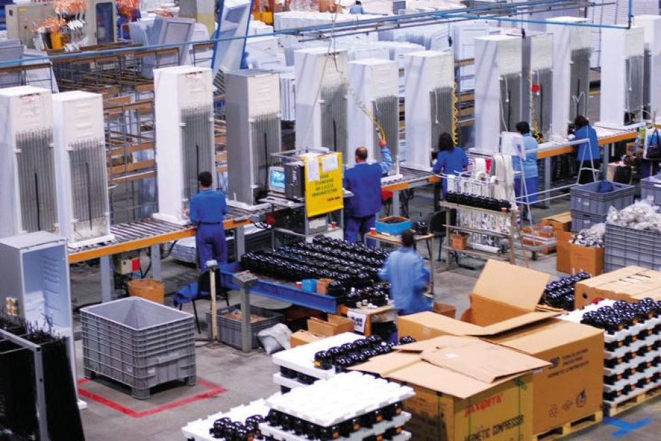 """В Румъния отвори първата """"умна"""" фабрика"""