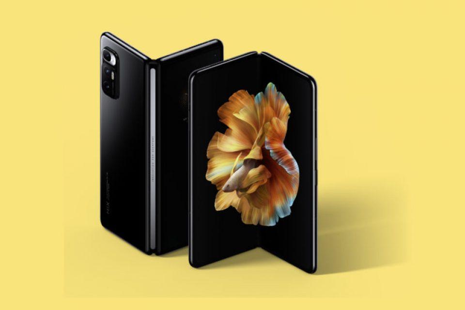 Xiaomi подготвя още един сгъваем телефон за тази година